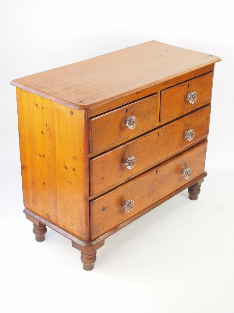 Small Victorian Pine Chest Drawers With Glass Handles
