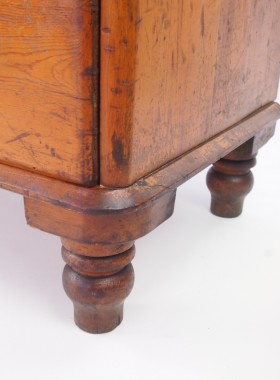Victorian Pine Chest Drawers