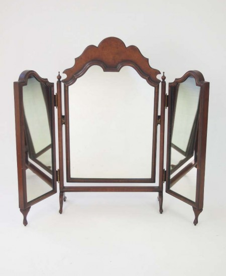 Walnut Dressing Table Mirror in Queen Anne style