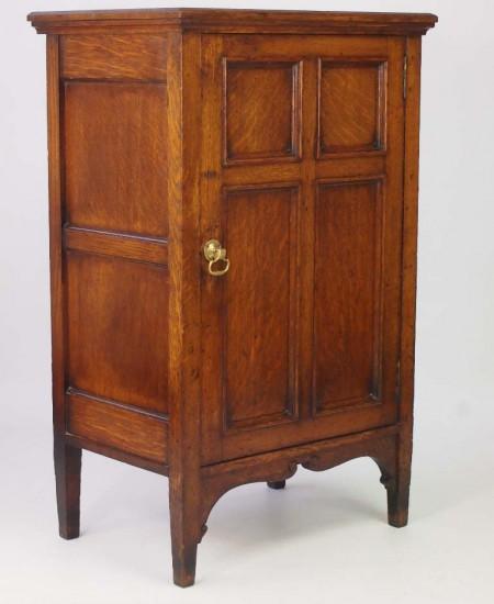 Antique Edwardian Oak Cupboard