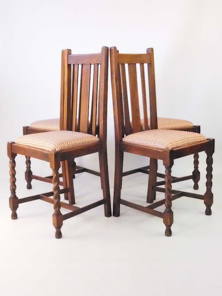 cheap for discount 8e16a 004ad Set 4 Vintage Oak Dining Chairs Circa 1920s - -