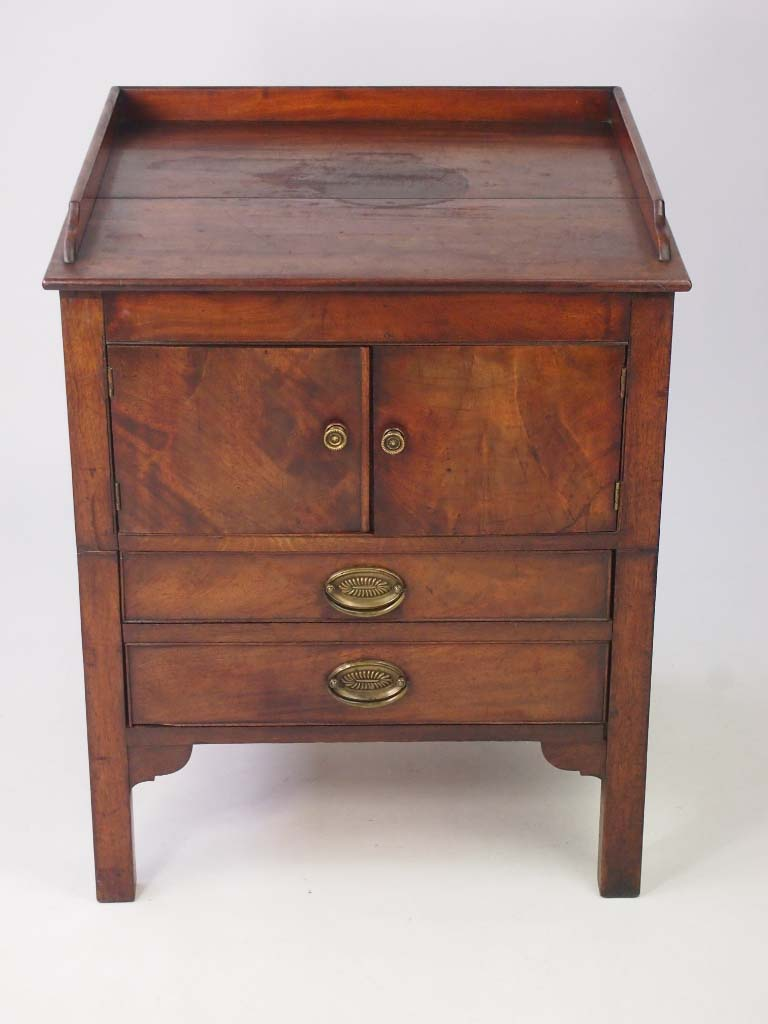 Antique Wooden Chairs >> Antique Georgian Side Cabinet / Commode