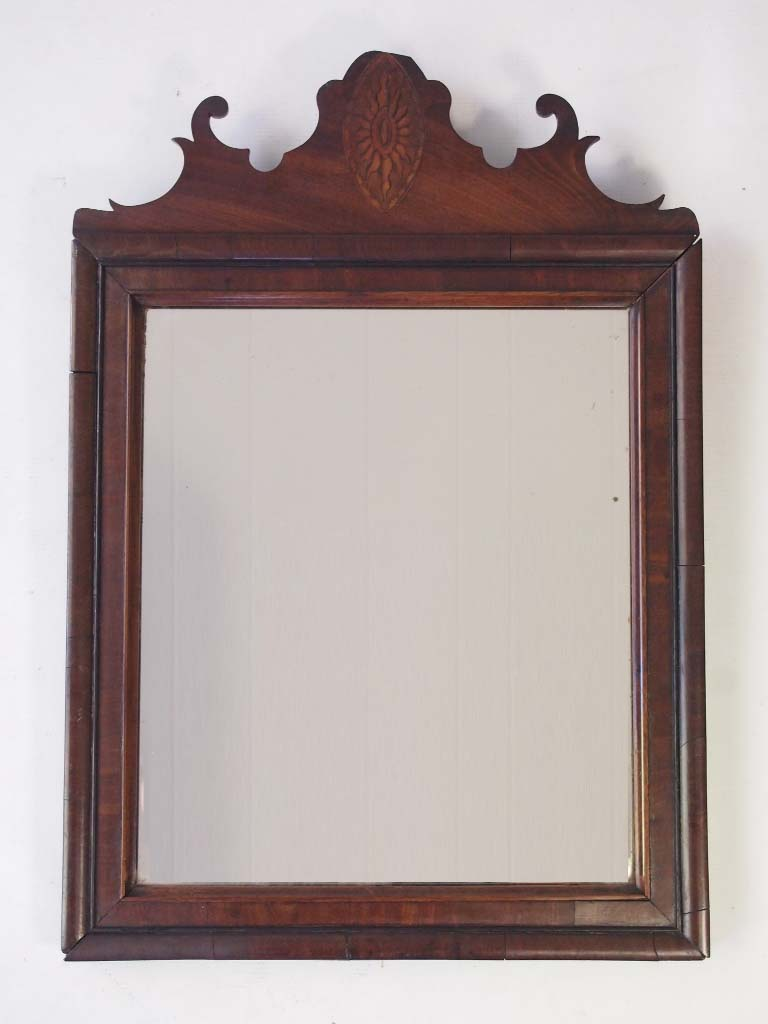 How to Determine the Value of an Old Mirror