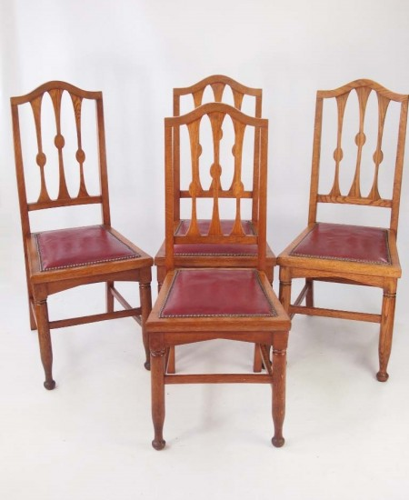 Set 4 Arts and Crafts Oak Chairs