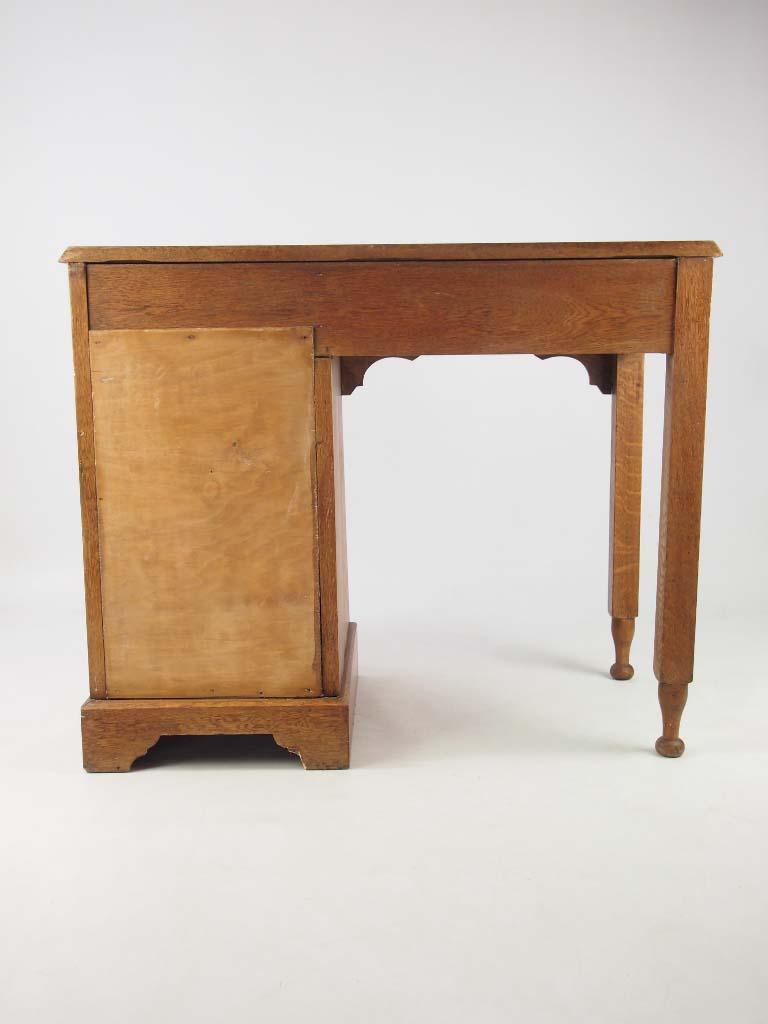 Small Antique Arts Amp Crafts Oak Desk