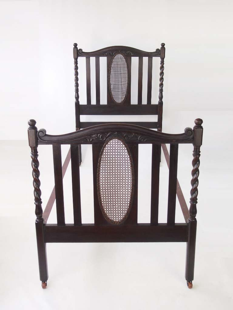 antique edwardian oak single bed. Black Bedroom Furniture Sets. Home Design Ideas