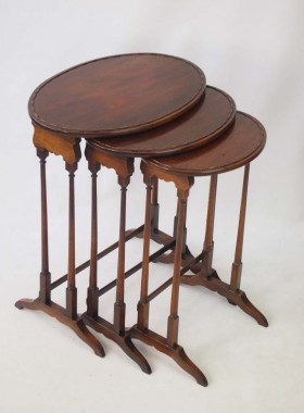 Antique Gillows of Lancaster Mahogany Nest of Tables