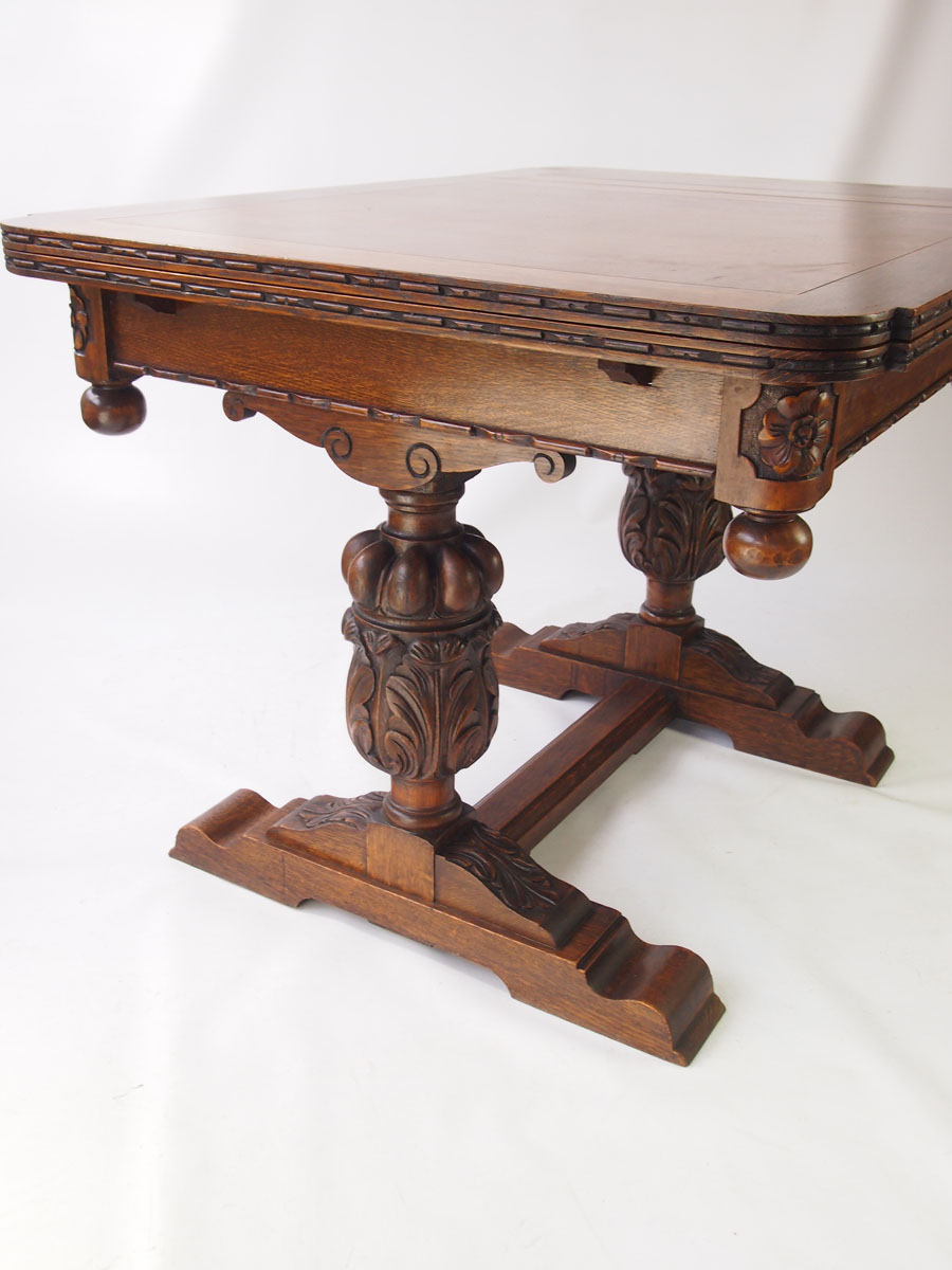 Oak Extending Draw Leaf Dining Table Circa 1920s