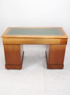 Victorian Mahogany Pedestal Desk